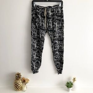 Lightweight Jogger Style Pants